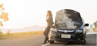 Przegrzanie silnika – objawy, przyczyny i skutki zbyt wysokiej temperatury pod maską